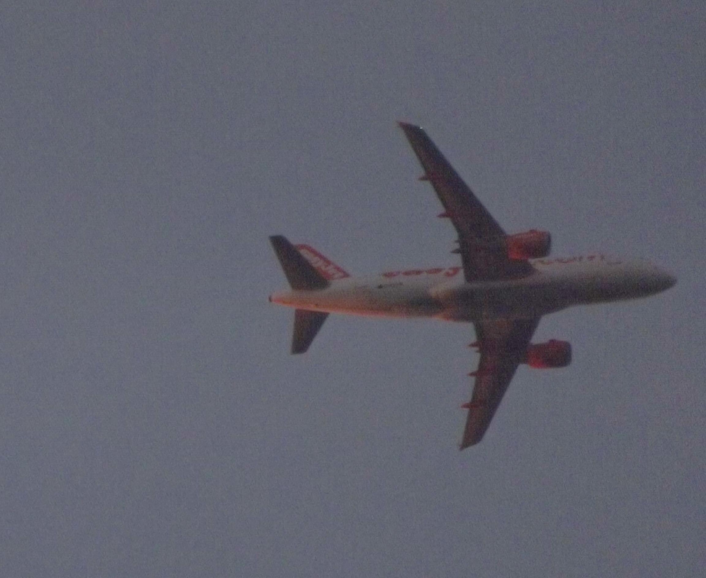 Jet Privato Bologna : Istanbul si schianta jet privato l aereo in fiamme sulla pista