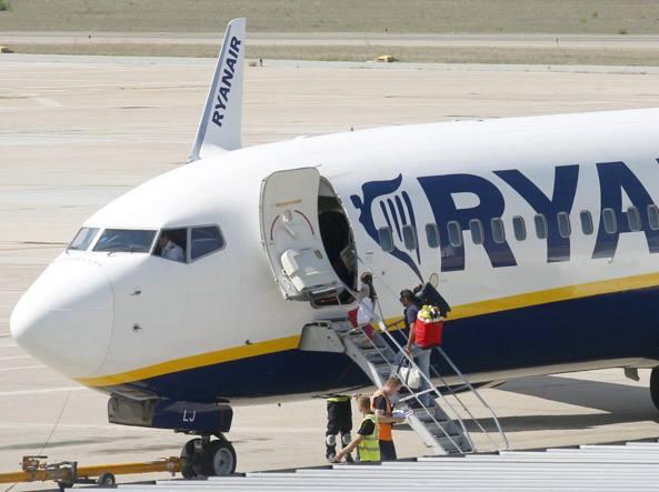 Aerei Ryanair Potenzia I Voli Per Bari E Apre Quattro Nuove Rotte