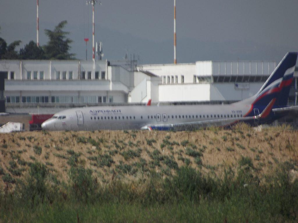 Jet Privato Bologna : Bologna i parenti di alice gruppioni scendono dall aereo youtube