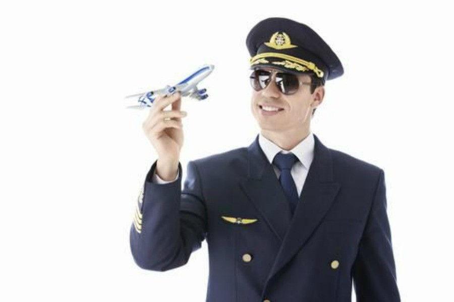 Pilota di aerei cercasi